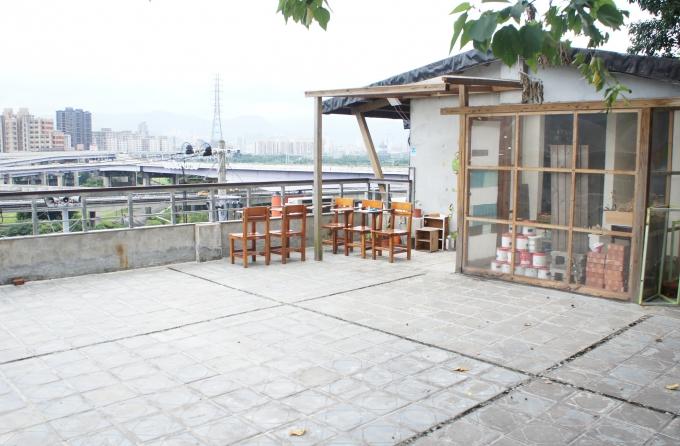 山城53號屋頂平台介紹圖,共2張
